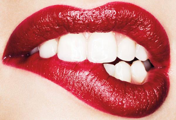 we Love Red Lips Pucker up